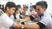 Gần 1.000 đoàn viên, thanh niên Cần Thơ tham gia Chủ nhật đỏ