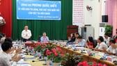 Đồng chí Phùng Quốc Hiển làm việc với tỉnh Kiên Giang về cơ chế, chính sách cho đặc khu Phú Quốc. Ảnh: VĨNH THUẬN