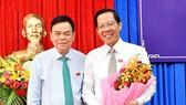 Ông Võ Thành Hạo (bên trái) và ông Phan Văn Mãi. Ảnh: HÀM LUÔNG