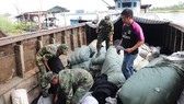 Bộ đội Biên phòng An Giang bắt 3 vụ buôn lậu trong 1 đêm
