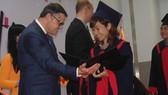 Trao bằng tân cử nhân, tân thạc sĩ Trường ĐH Việt-Đức