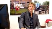 Van Der Sar làm giám đốc marketing Ajax