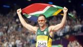 """""""Người không chân"""" Pistorius bị tăng tội"""