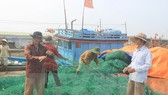 Yêu cầu hỗ trợ ngư dân vụ cá chết bất thường