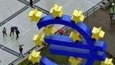 S&P dọa hạ bậc 15 nước Eurozone