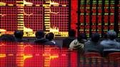TTCK 23-5: NĐT bán tháo, VN Index phá mốc 420 điểm