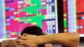 TTCK 8-6: NĐT xả hàng, VN Index mất điểm