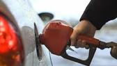 Giá dầu giảm sau số liệu kinh tế yếu kém