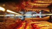 Chốt sáng 9-8: Giá vàng vượt 46,3 triệu đồng