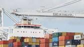 Thâm hụt mậu dịch Hoa Kỳ giảm 3 tháng