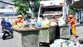 Quận Bình Thạnh chịu trách nhiệm thu gom chất thải gây ngập đường Nguyễn Hữu Cảnh