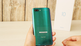 Honor 10 Phantom Green  với màu sắc hêt sức ấn tượng