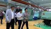 Chủ tịch UBND TPHCM Nguyễn Thành Phong thăm Công ty Cổ phần Công nghiệp hỗ trợ Minh Nguyên
