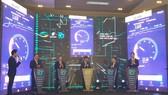 Lãnh đạo Bộ TT-TT và Tập đoàn Viettel trong lễ kết nối 5G