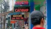 Đề nghị chấn chỉnh biển quảng cáo bằng tiếng nước ngoài tại Nha Trang