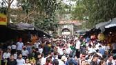 Đông đảo du khách thập phương đã đổ về dự lễ khai hội chùa Hương 2019