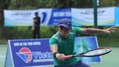 Dù ở độ tuổi 36, Quốc Khánh vẫn là tay vợt đánh đôi hàng đầu.