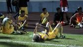 Các cầu thủ Thanh Hóa thất vọng sau trận đấu. Ảnh: MINH HOÀNG