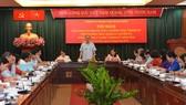Bí thư Thành ủy TPHCM Nguyễn Thiện Nhân phát biểu tại hội nghị giao ban. Ảnh: VIỆT DŨNG