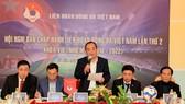 Tân Chủ tịch VFF Lê Khánh Hải chủ trì hội nghị. Ảnh: ĐOÀN NHẬT