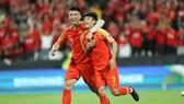 Wu Lei (7) tỏa sáng với cú đúp cho Trung Quốc