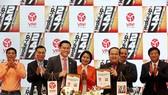 Lãnh đạo Công ty VPF và Công ty Masan tại buổi ký hợp đồng. Ảnh: MINH HOÀNG