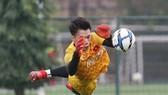 Bùi Tiến Dũng sẽ trở lại vị trí số 1 trong khung thành U23 Việt Nam. Ảnh: MINH HOÀNG