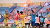 Nam Định tiếp tục thi đấu thành công trên sân nhà. Ảnh: MINH HOÀNG