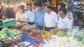 Kiểm soát thực phẩm để đảm bảo an toàn sức khỏe người tiêu dùng