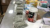 Hải quan TSN phát hiện 4kg cần sa giấu trong hàng thực phẩm