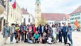 Du khách TST tourist du ngoạn châu Âu
