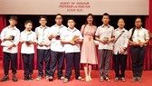 The Vietnamese delegation gains the 2nd position in the competition. (Photo: vnexpress)