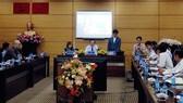 GS.TS Paul Kim, Phó Hiệu trưởng Trường Giáo dục sau đại học, ĐH Stanford phát biểu tại tọa đàm