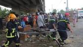 Vụ 2 xe rơi xuống cầu Hàm Luông, thêm 2 nạn nhân tử vong tại bệnh viện