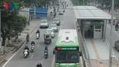 """Nhà sản xuất xe buýt BRT nói gì về """"xe buýt đội giá""""?"""