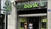 EC đồng ý tái cơ cấu nợ ngân hàng Hy Lạp