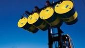 25-4: Giá dầu chạm mức 113USD/thùng