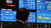 TTCK châu Á 6-5: Nikkei rớt mốc 10.000 điểm