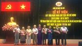 Quận Tân Phú trao Huy hiệu cho đảng viên cao tuổi Đảng