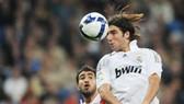 Almeria (9) – Real Madrid (3): Higuain hay  Van Nistelrooy?