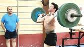 Cử tạ Việt Nam: Quyết tìm 2 suất dự Olympic 2012