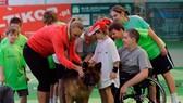 """Hậu trường quần vợt thế giới: Wozniacki phát hành """"thảm họa âm nhạc"""""""