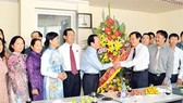 HCMC Party Secretary visits SGGP office in Hanoi