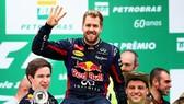 """Đua xe F1 mùa giải 2013: Khi Vettel """"danh lừng thiên hạ"""""""