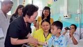 Hỗ trợ chi phí mổ tim bẩm sinh trẻ em nghèo