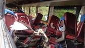 Đà Lạt: Xe khách tông vào vách núi, ít nhất 3 người chết, hàng chục người bị thương