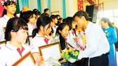 """Chung kết cuộc thi """"Prudential - Văn hay chữ tốt"""" khu vực ĐBSCL năm 2014: Vun bồi tình cảm thiêng liêng với hồn chữ của dân tộc"""