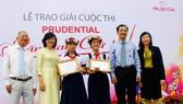 Trao giải cuộc thi Prudential - Văn hay chữ tốt năm 2015 tại TPHCM