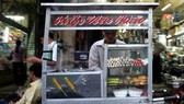HCM City toughens penalties for street food safety violations