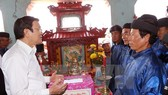 President visits Quang Ngai's Ly Son island district
